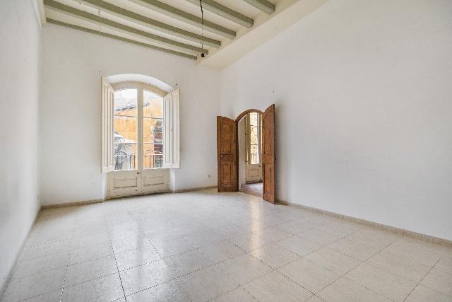 Imagen 1 Inmueble 233532 - Piso en venta en Vilafranca Del Penedès / En centro histórico, en zona comercial y Ayuntam...