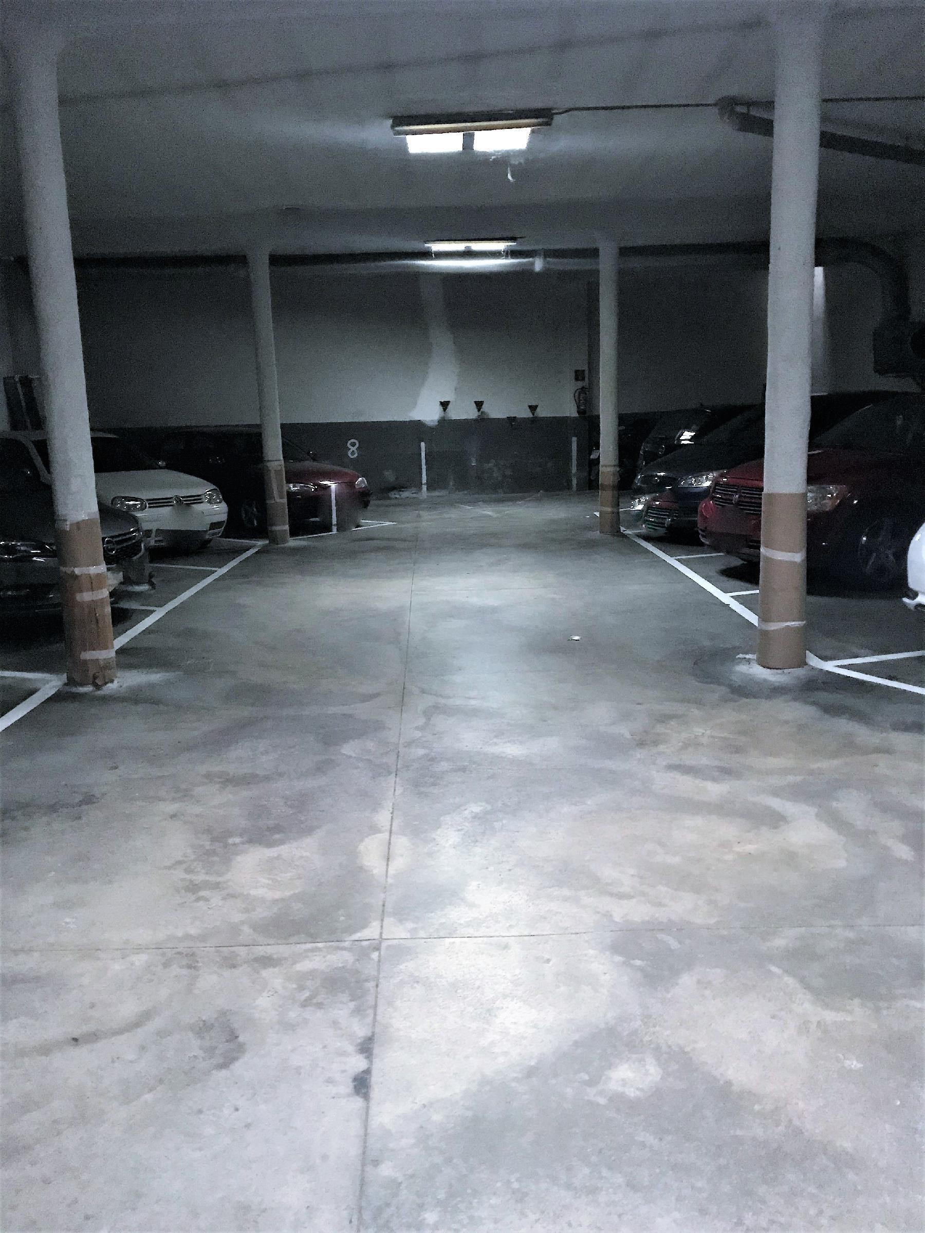 Imagen 4 Parking Coche en venta en Vilafranca Del Penedès / Barrio de Las Clotes