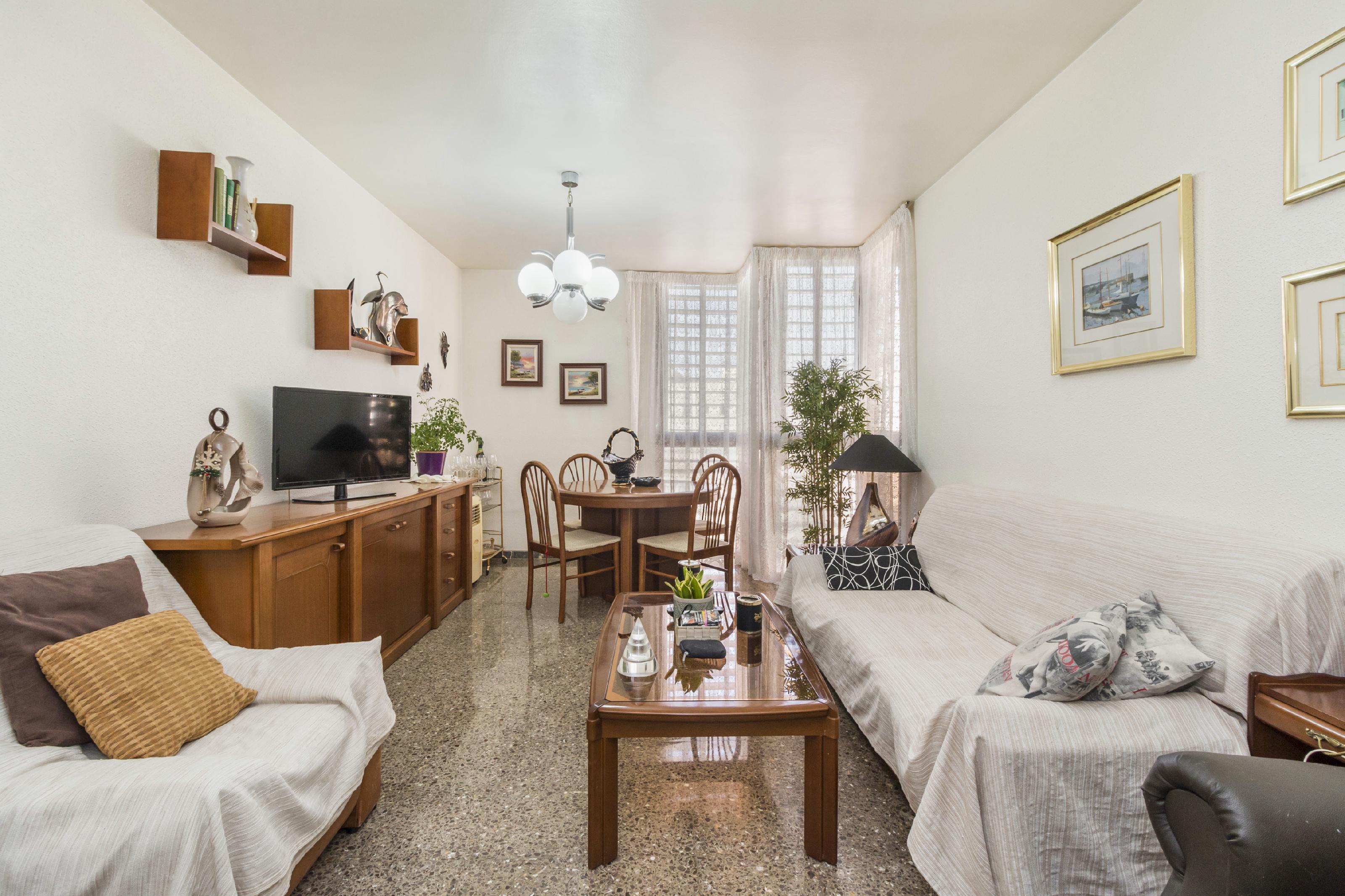 Imagen 1 Piso en venta en Vilafranca Del Penedès / Próximo a la Plaça de la Verema y Plaça de les C...