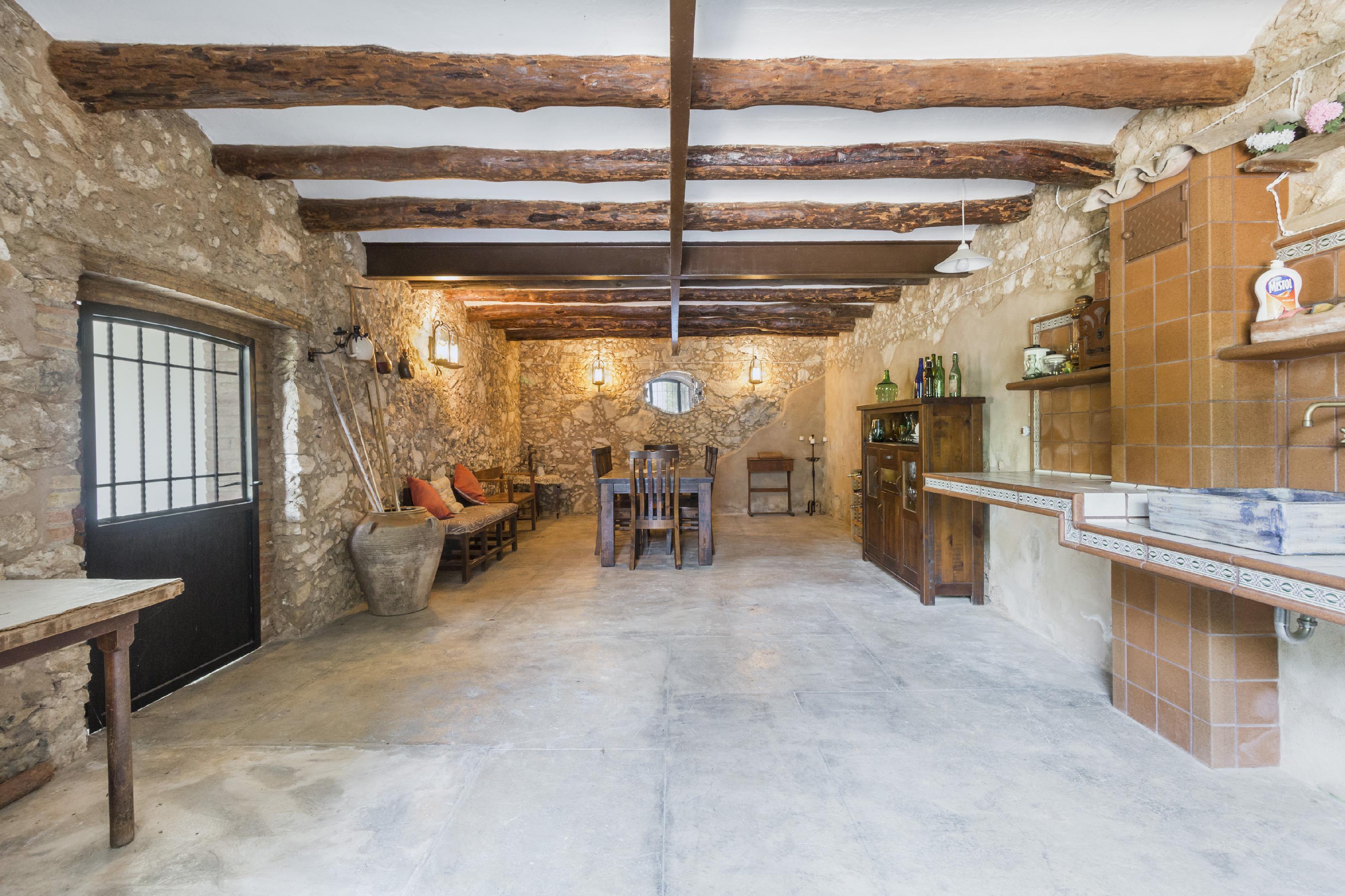 Imagen 2 Casa Rústica en venta en Avinyonet Del Penedès / Junto a la carretera Nacional 340