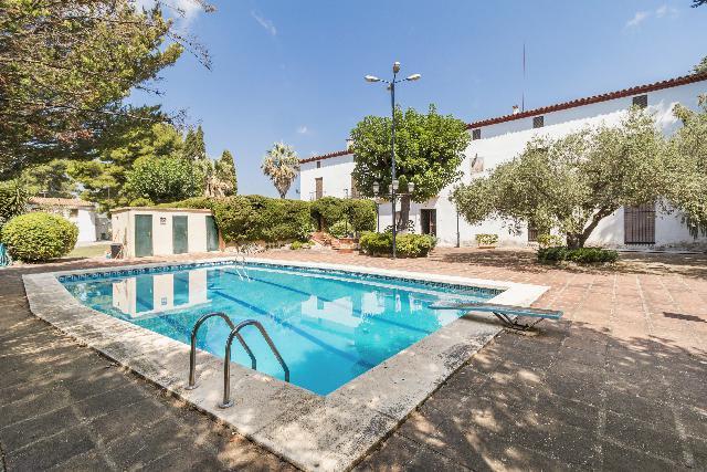 Imagen 1 Inmueble 252273 - Casa Rústica en venta en Castellet I La Gornal / Próximo a las cavas Mont Marçal