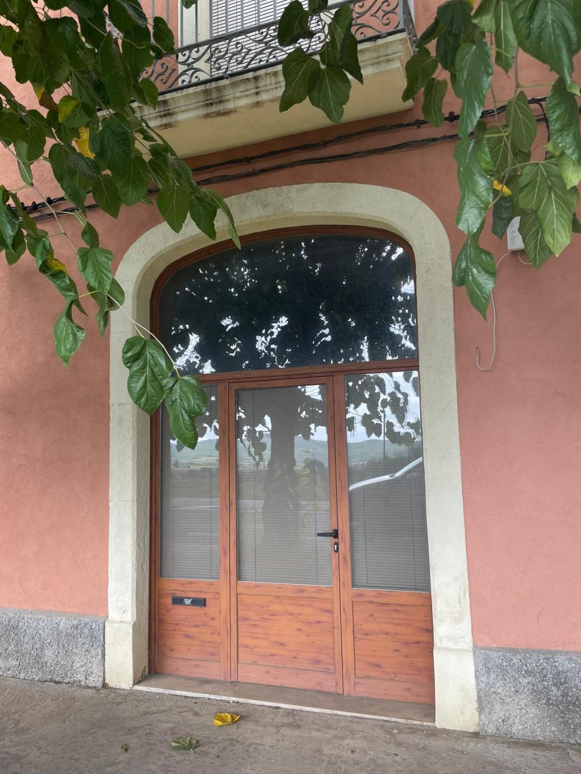 Imagen 2 Casa en venta en Sant Cugat Sesgarrigues / Cases Rojes, próximo al Bon Área