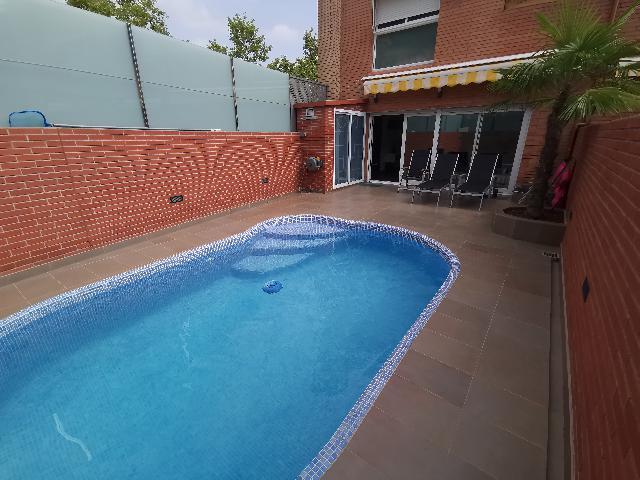 Imagen 1 Inmueble 234469 - Casa Adosada en venta en Badalona / Bonavista badalona