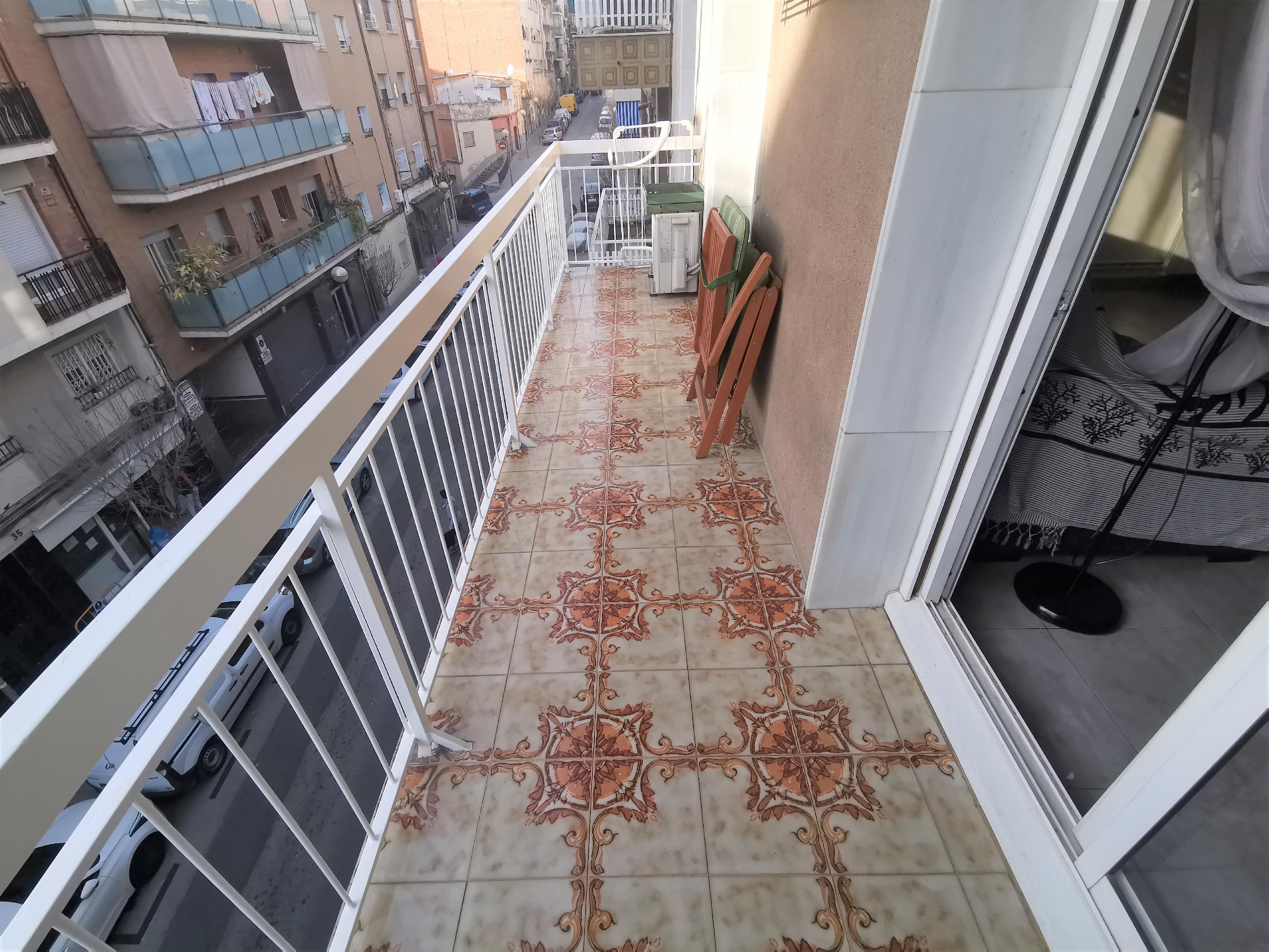 Imagen 1 Piso en venta en Badalona / Calle calderón de la barca