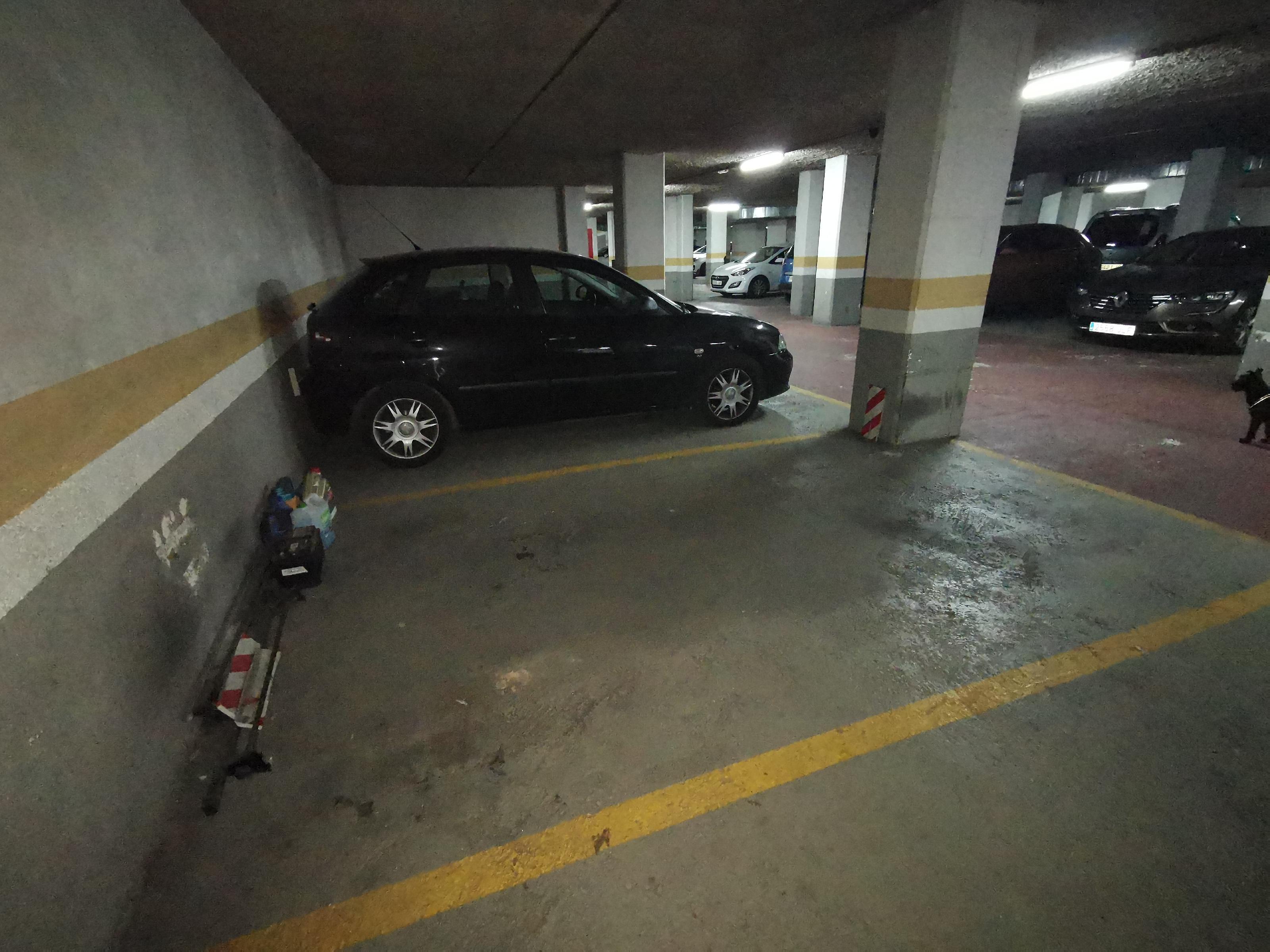Imagen 4 Parking Coche en venta en Badalona / Rambla Sant Joan