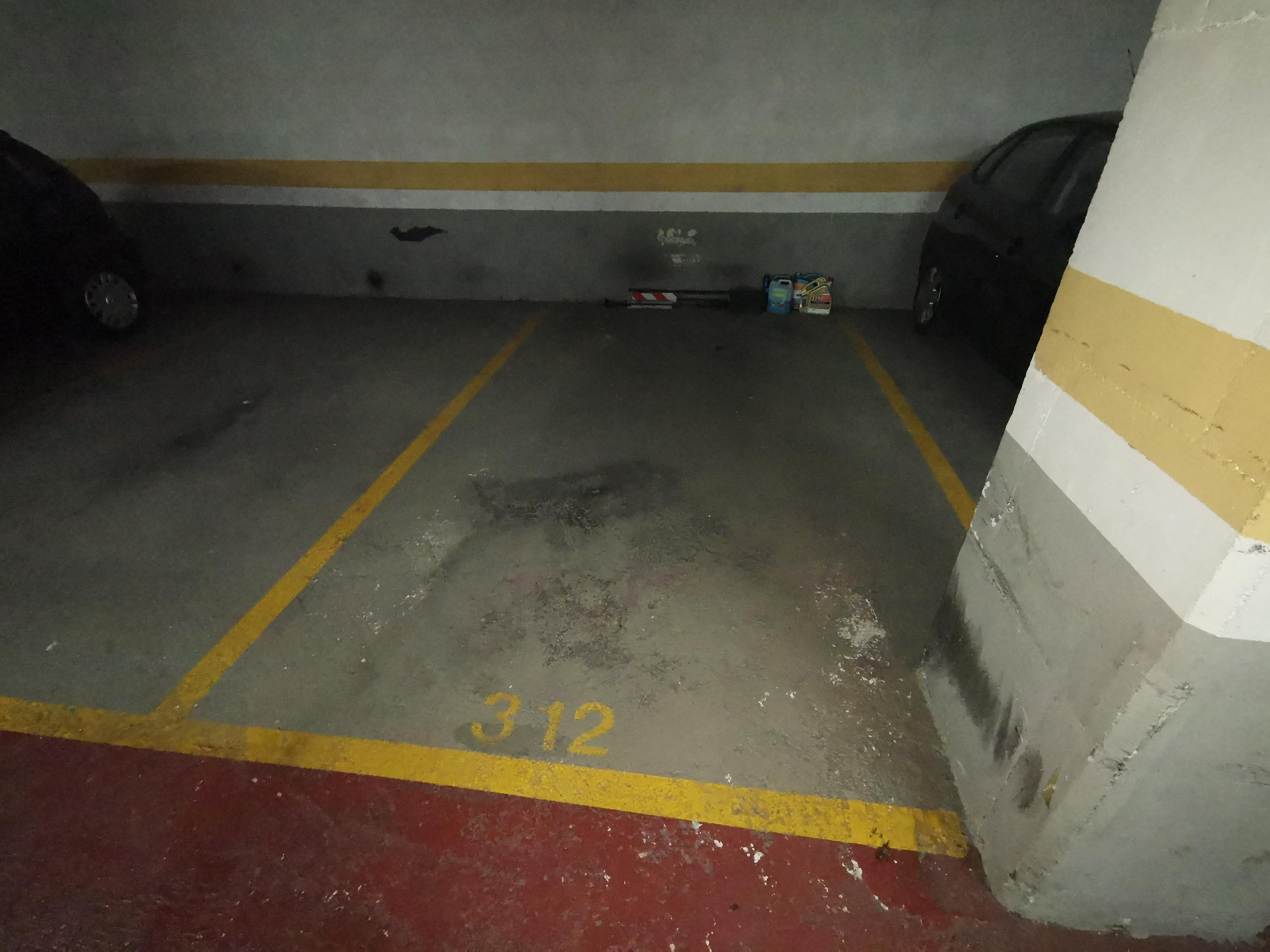 Imagen 3 Parking Coche en venta en Badalona / Rambla Sant Joan