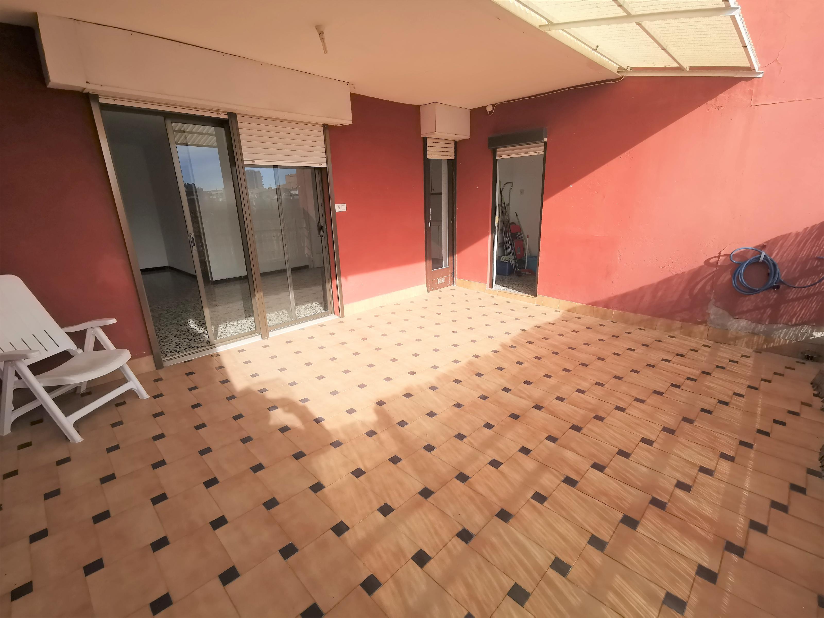Imagen 3 Piso en venta en Badalona / Pep Ventura calle Guifre
