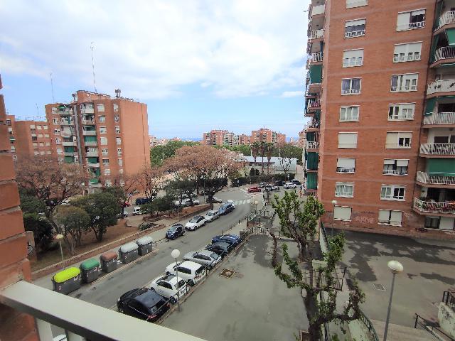 Imagen 1 Inmueble 249880 - Piso en venta en Badalona / Lloreda Badalona