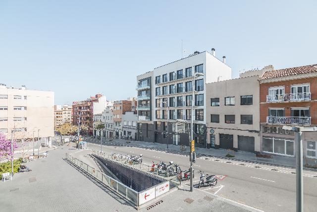 Imagen 1 Inmueble 218887 - Dúplex en venta en Barcelona / Junto Pº Maragall