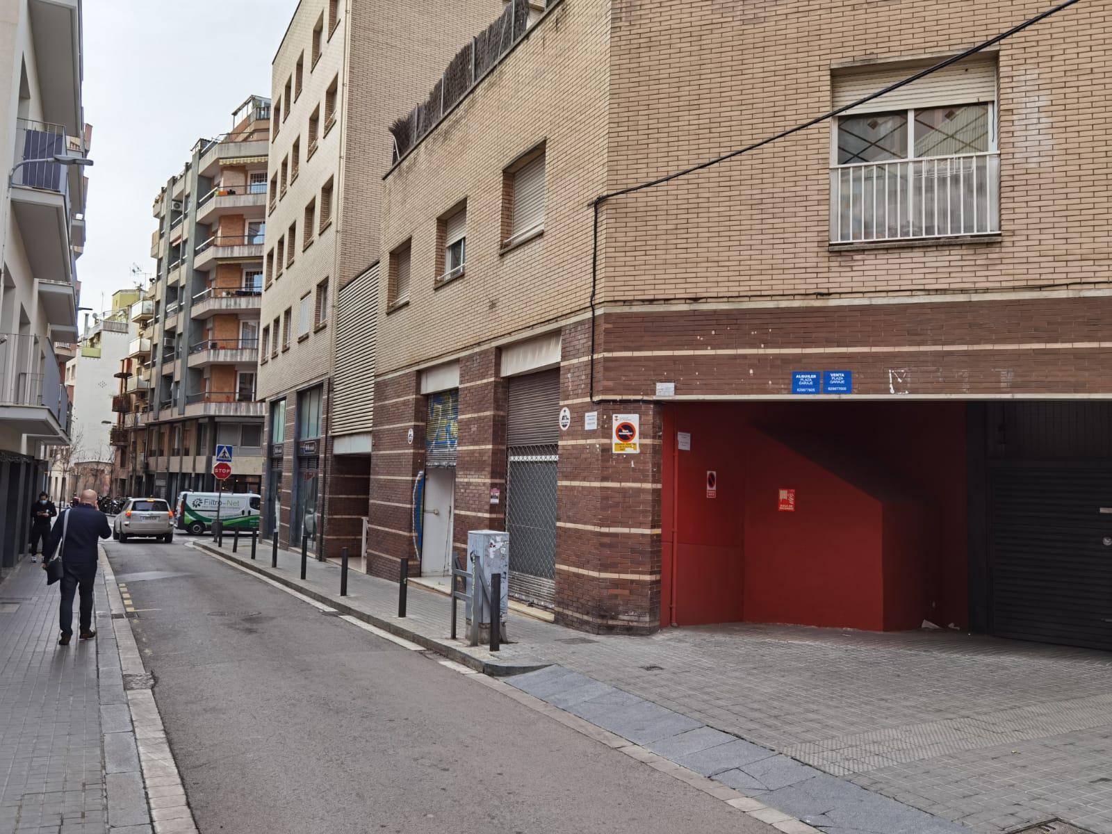 Imagen 3 Parking Coche en venta en Hospitalet De Llobregat L´ / A pocos minutos del Parque de la ...
