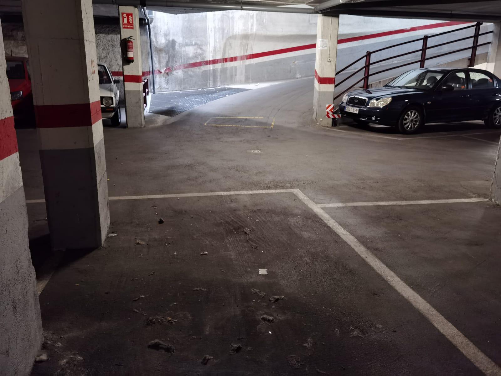 Imagen 4 Parking Coche en venta en Hospitalet De Llobregat L´ / A pocos minutos del Parque de la ...
