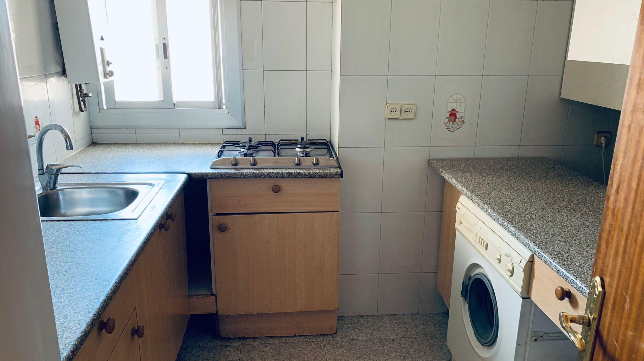 Imagen 4 Apartamento en venta en Hospitalet De Llobregat L´ / Junto al metro Santa Eulalia