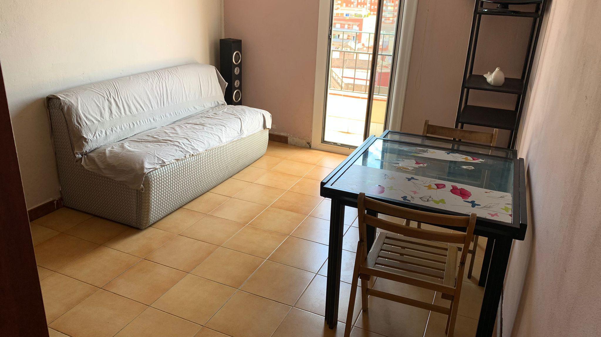 Imagen 1 Apartamento en venta en Hospitalet De Llobregat L´ / Junto al metro Santa Eulalia