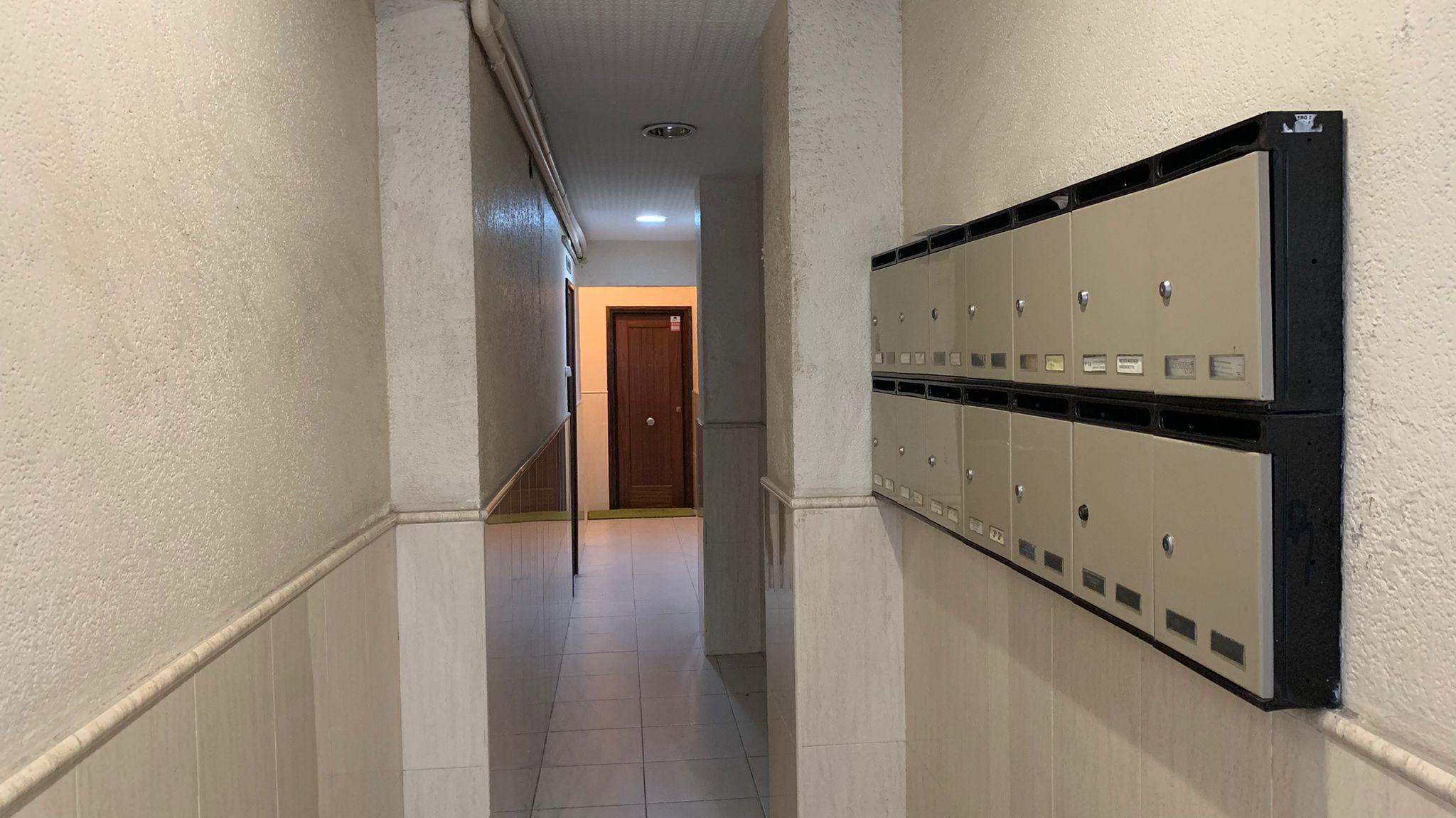 Imagen 2 Apartamento en venta en Hospitalet De Llobregat L´ / Junto al metro Santa Eulalia