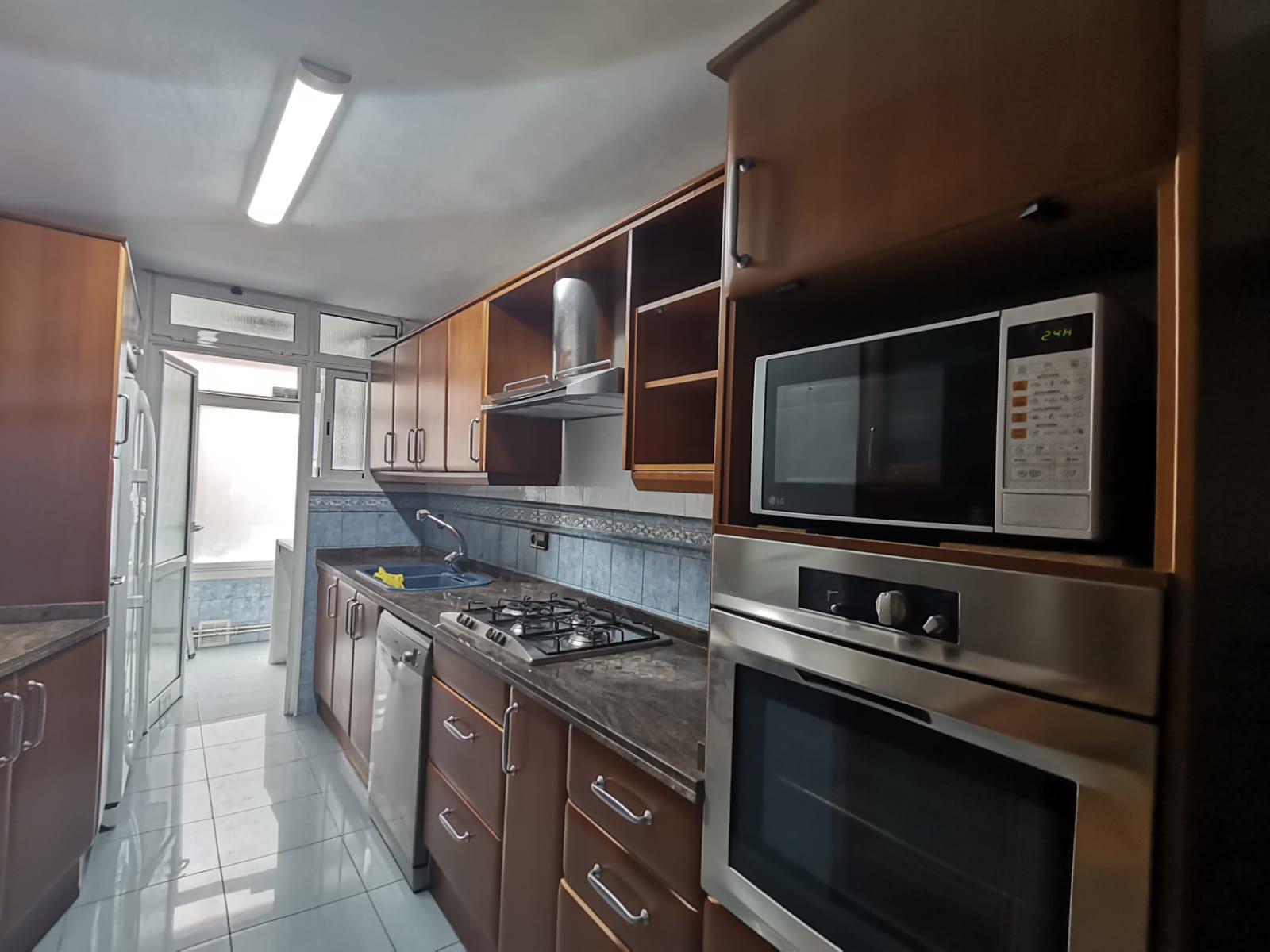 Imagen 2 Apartamento en venta en Hospitalet De Llobregat L´ / Cerca al metro de Collblanc
