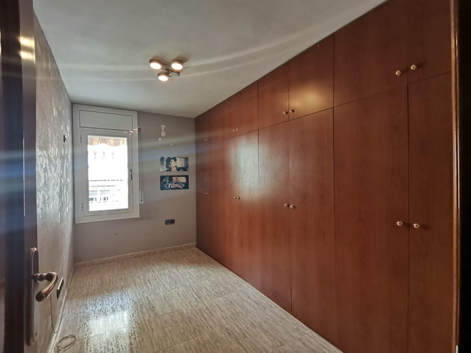 Imagen 3 Apartamento en venta en Hospitalet De Llobregat L´ / Cerca al metro de Collblanc