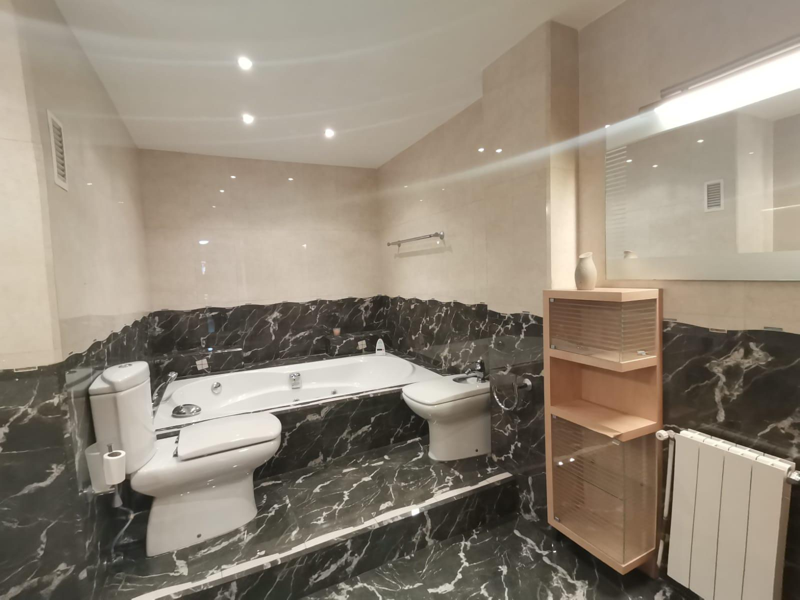 Imagen 4 Apartamento en venta en Hospitalet De Llobregat L´ / Cerca al metro de Collblanc