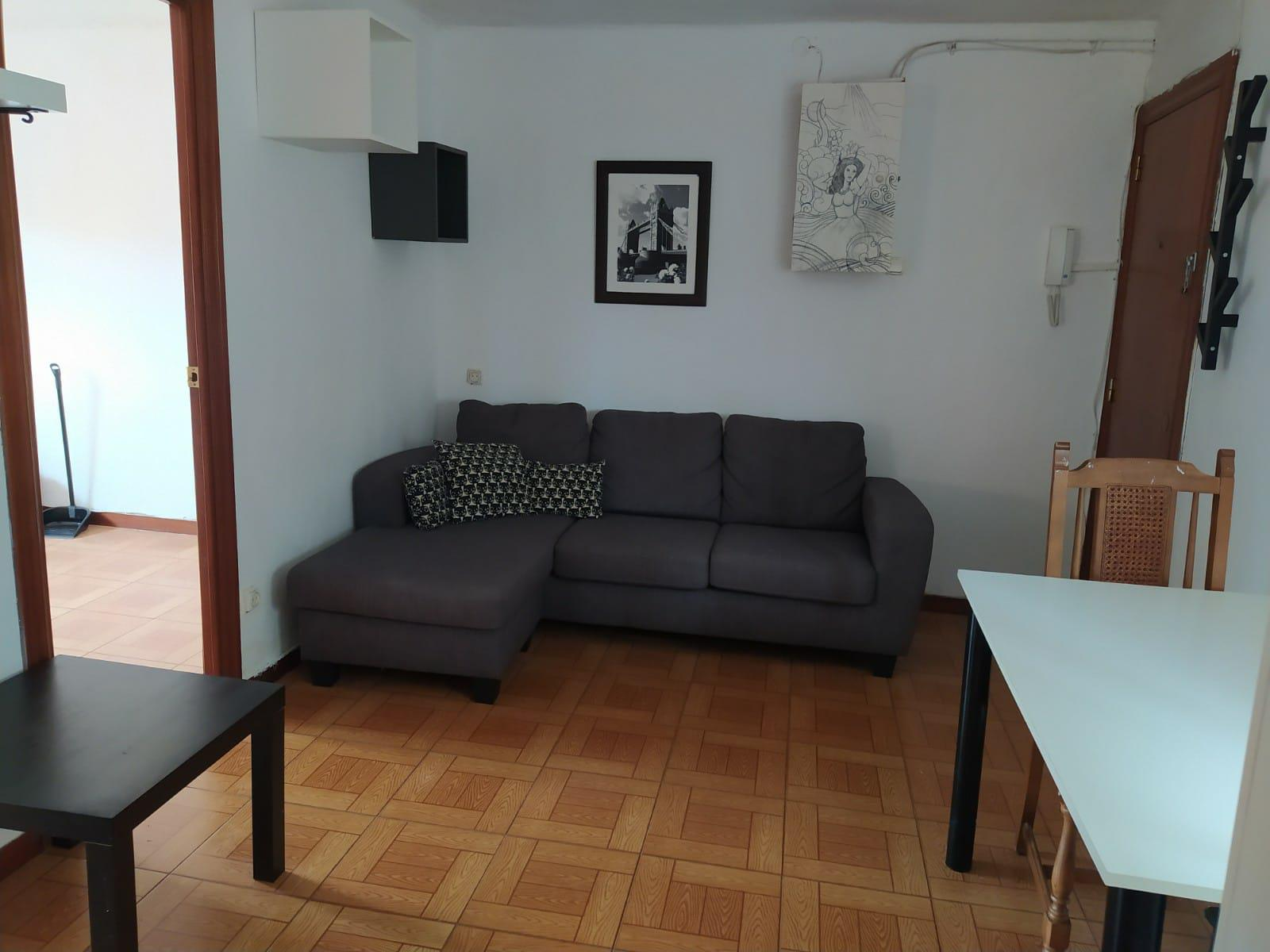Imagen 2 Apartamento en alquiler en Hospitalet De Llobregat L´ / Junto a centro comercial finestr...
