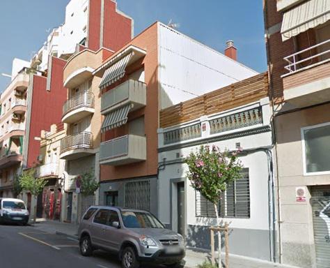 Imagen 2 Casa Aislada en venta en Hospitalet De Llobregat L´ / Junto al metro de torrasa.