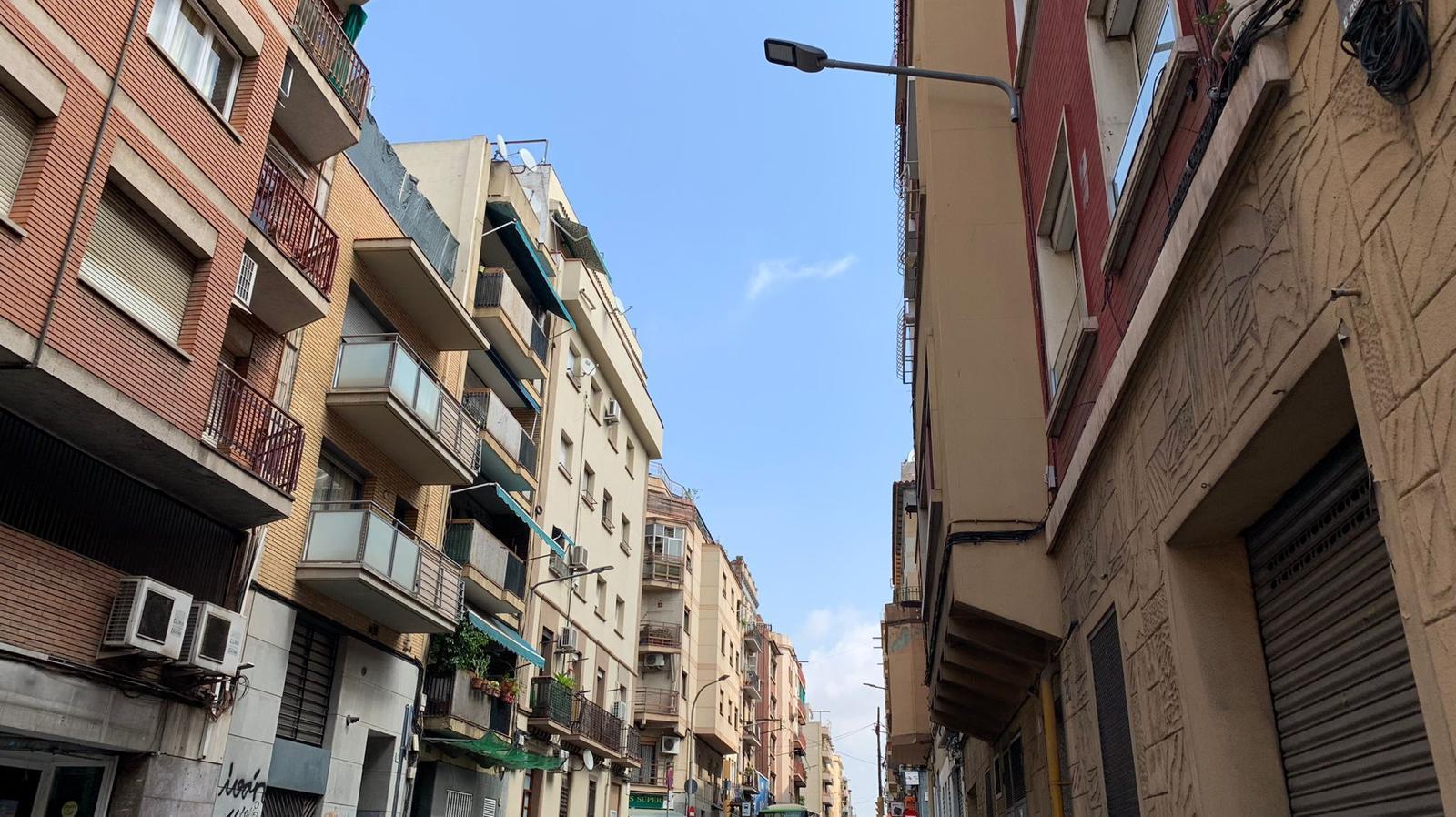 Imagen 1 Piso en venta en Hospitalet De Llobregat L´ / A 5 minutos del metro Torrasa L1 linea roja