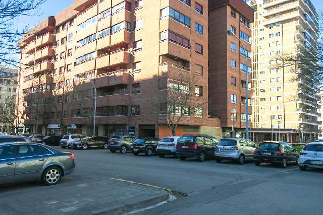 Imagen 1 Inmueble 213573 - Parking Coche en alquiler en Pamplona/iruña / Iturrama próximo a Pio Xii