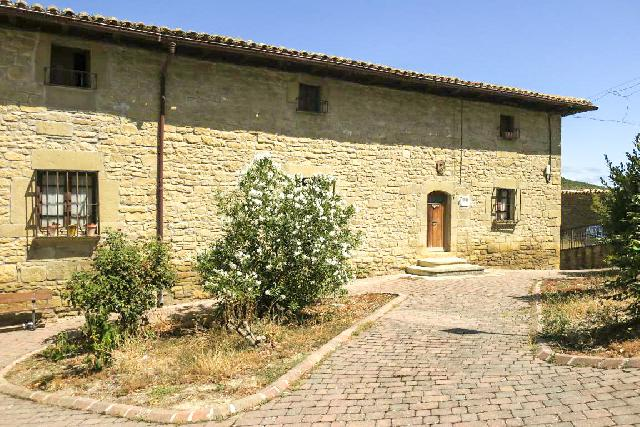 Imagen 1 Inmueble 229693 - Casa Aislada en venta en Aibar/oibar / Núcleo urbano de Aibar, próxima a la carretera