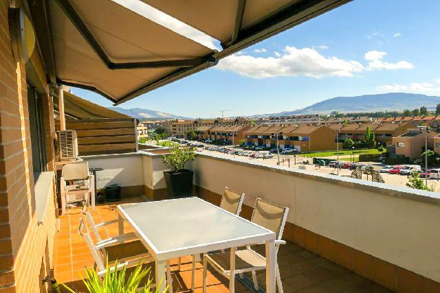 Imagen 1 Inmueble 238630 - Ático en venta en Pamplona/iruña / Exclusiva zona residencial junto al Lago