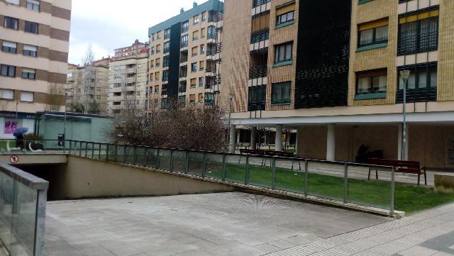 Imagen 1 Inmueble 239645 - Parking Coche en alquiler en Pamplona/iruña / Junto zona comercial de Iturrama