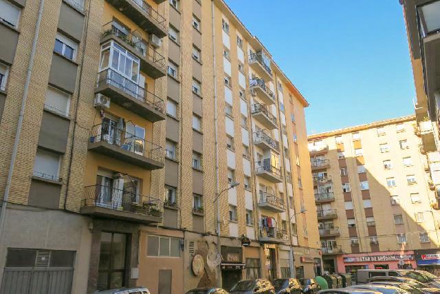 Imagen 1 Inmueble 249882 - Piso en venta en Pamplona/iruña / Junto a Plaza Lapurbide