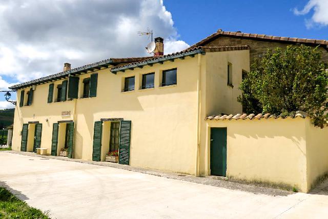 Imagen 1 Inmueble 249927 - Casa Aislada en venta en Unciti / A 18 Km de Pamplona por Autovía del Pirineo