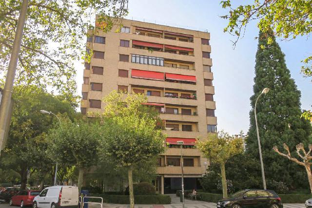 Imagen 1 Inmueble 252719 - Piso en venta en Pamplona/iruña / Junto a Serafín Olave
