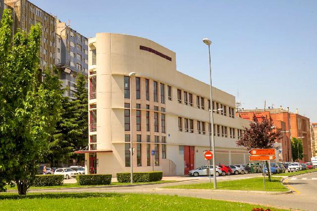 Imagen 1 Inmueble 252816 - Oficina Comercial en alquiler en Pamplona/iruña / Edificio de oficinas en zona más comerci...