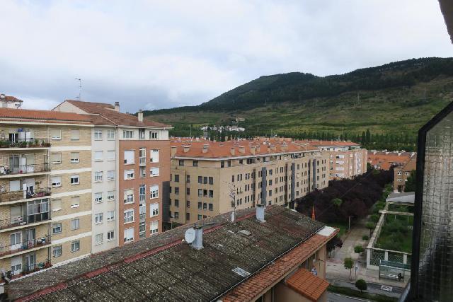 Imagen 1 Inmueble 253512 - Piso en venta en Pamplona/iruña / Junto a plaza Lapurbide