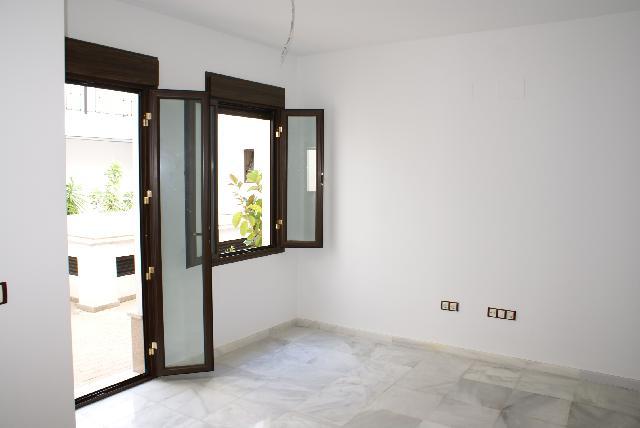 Imagen 1 Inmueble 226995 - Dúplex en venta en Sevilla / Cercano a León XIII