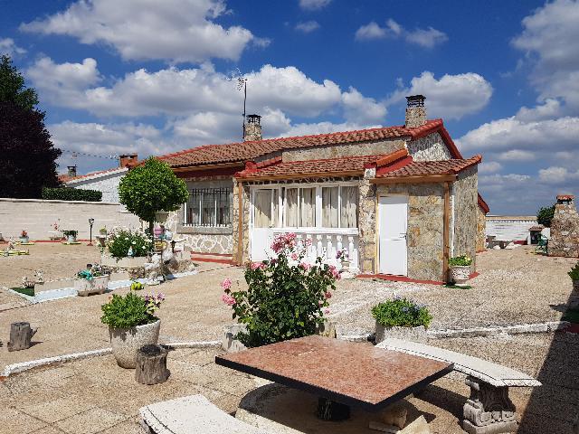 Imagen 1 Inmueble 210340 - Casa Aislada en venta en Trijueque / Urbanización Mirador del Cid en Trijueque