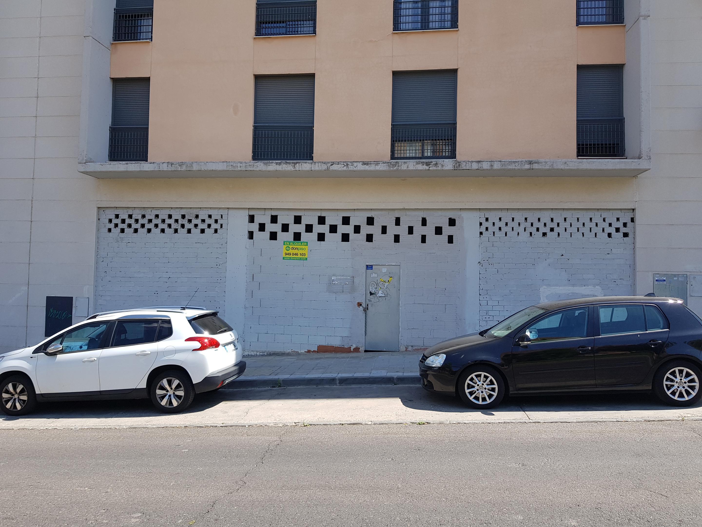 Imagen 2 Local Comercial en alquiler en Guadalajara / Bulevar Clara Campoamor