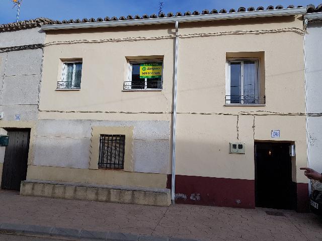 Imagen 1 Inmueble 220019 - Casa en venta en Fuentelencina / Calle Mayor de Fuentelencina