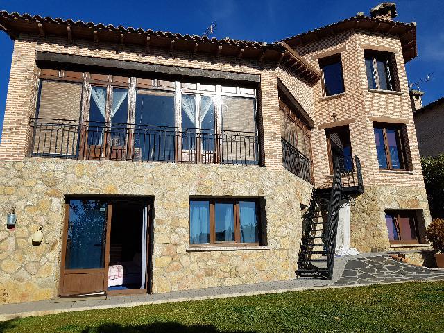 Imagen 1 Inmueble 220883 - Casa en venta en Casar (El) / Urbanización El coto