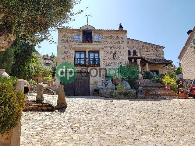 Imagen 1 Inmueble 229612 - Casa en venta en Chiloeches / Urbanización El Clavín