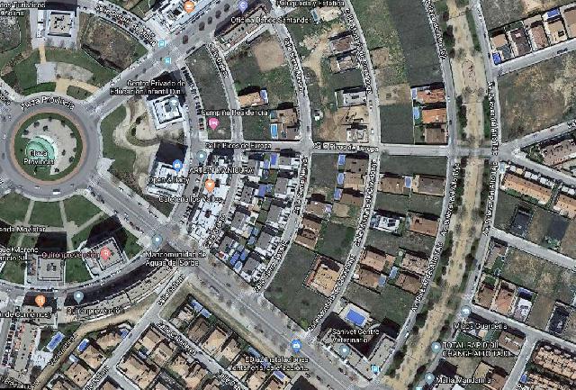Imagen 1 Inmueble 230468 - Solar Urbano en venta en Guadalajara / Avenida de Francia- Rotonda de las Provincias