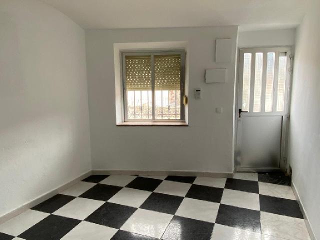 Imagen 1 Inmueble 234992 - Casa en venta en Tendilla / Casa de dos plantas en zona centro de Tendilla.