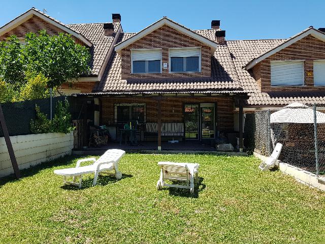 Imagen 1 Inmueble 240693 - Casa Adosada en venta en Chiloeches / Chiloeches pueblo