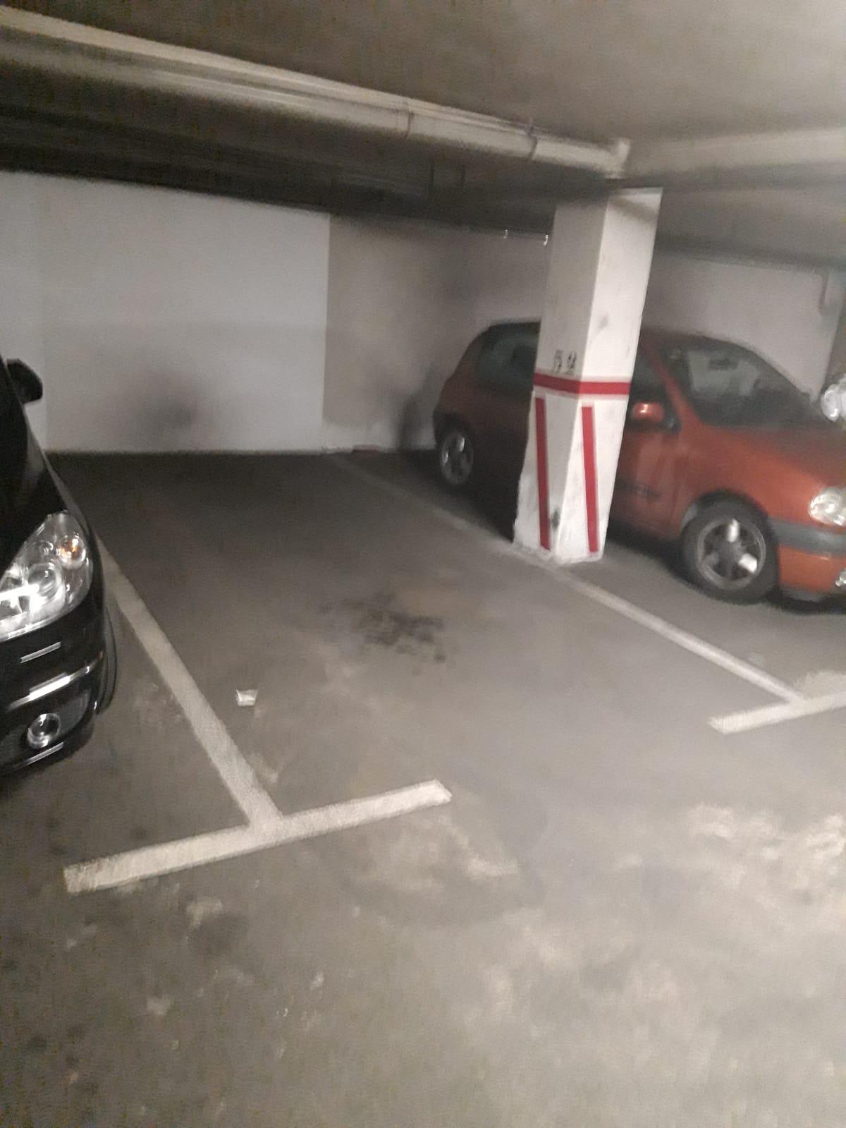 Imagen 1 Parking Coche en venta en Guadalajara / Entre Ferial y Virgen del Amparo
