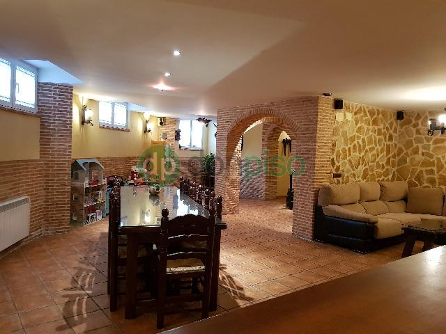 Imagen 1 Inmueble 245862 - Casa Adosada en venta en Guadalajara / Pedanía de Valdenoches