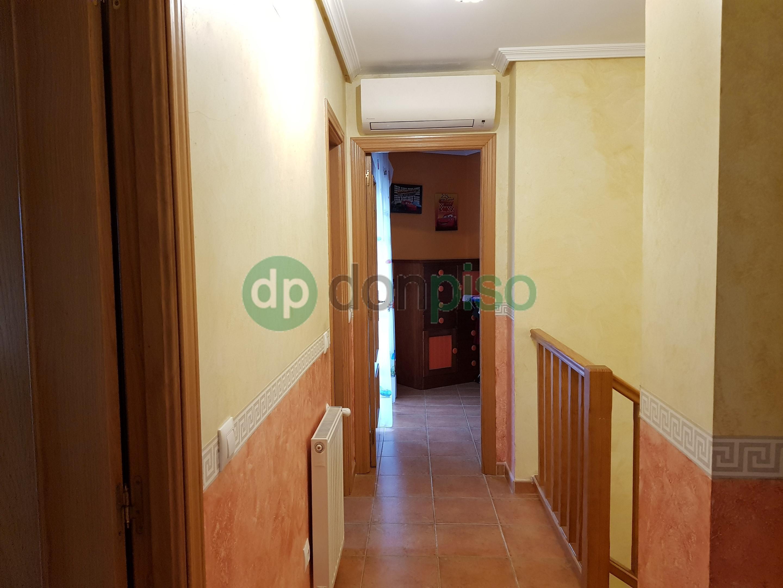 Imagen 3 Casa Adosada en venta en Guadalajara / Pedanía de Valdenoches