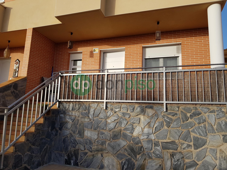 Imagen 2 Casa Pareada en venta en Mondéjar / Cerca Avda circunvalación
