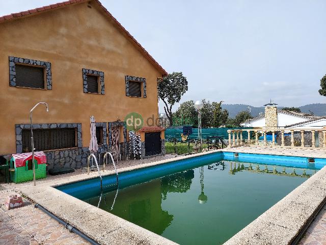 Imagen 1 Inmueble 247768 - Casa en venta en Pareja / Urbanización El Paraiso