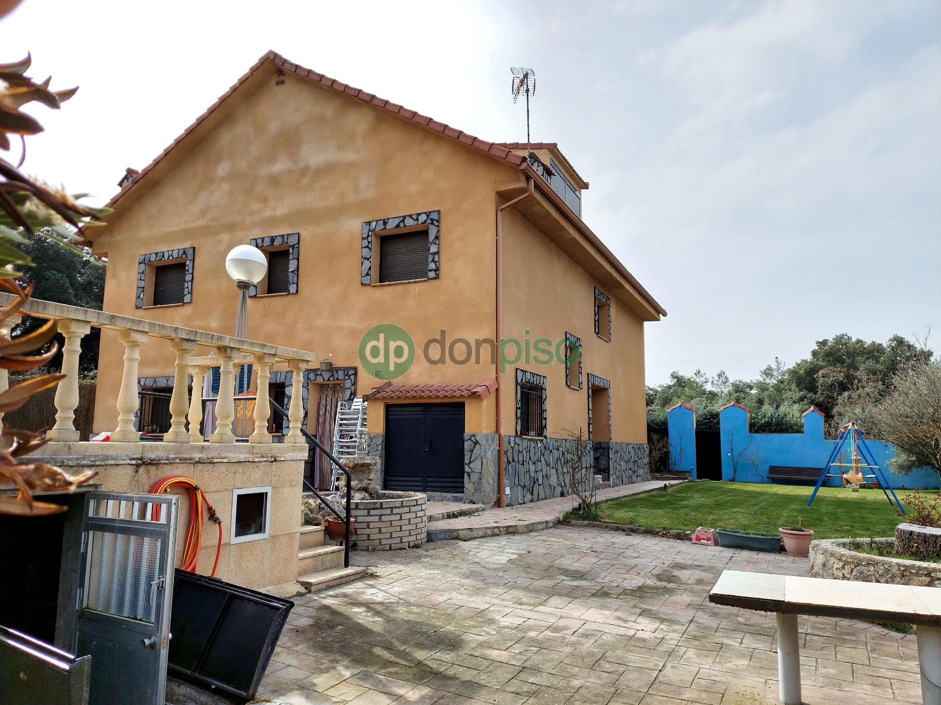 Imagen 3 Casa en venta en Pareja / Urbanización El Paraiso