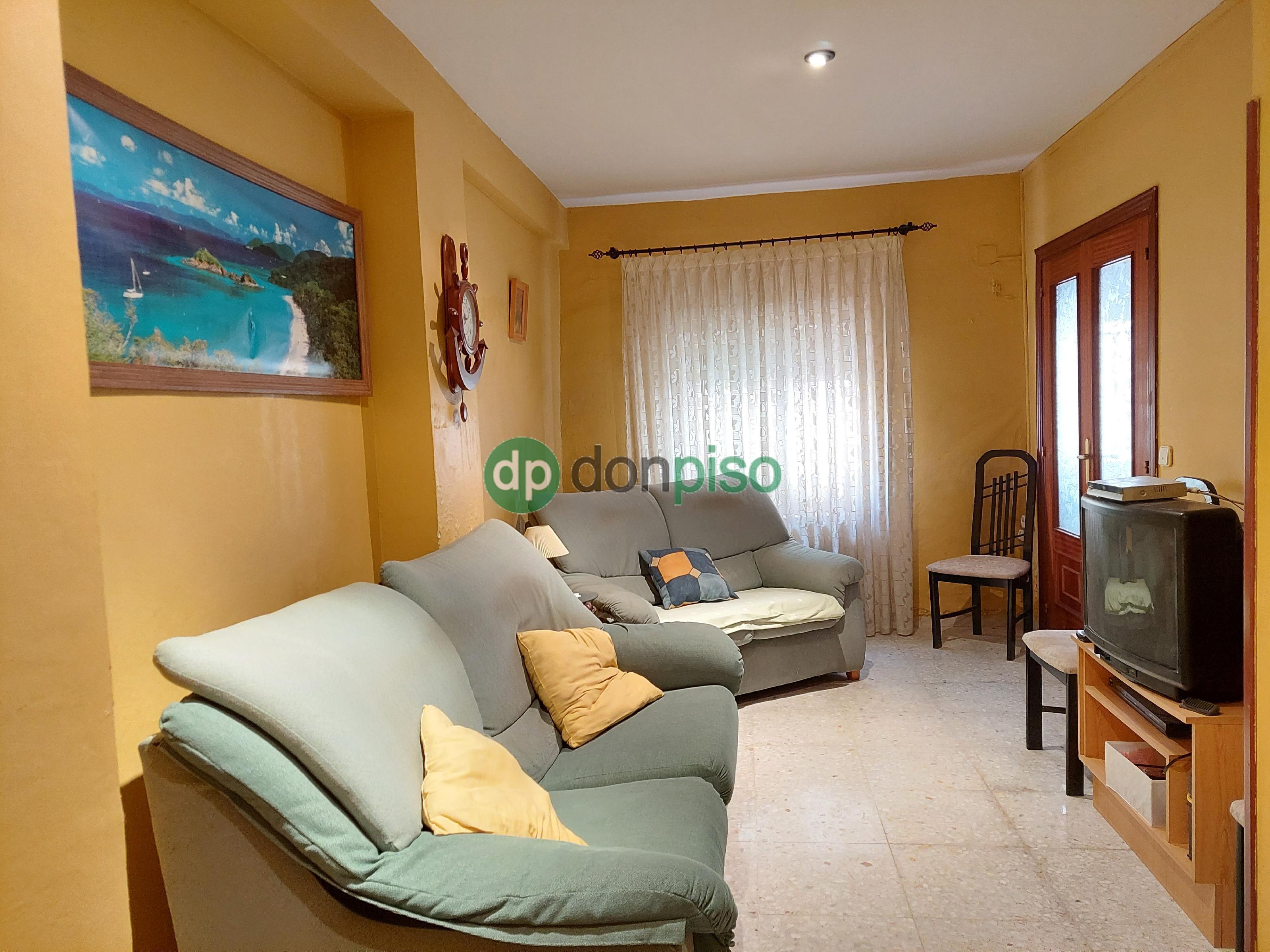 Imagen 2 Casa en venta en Albares / Centro casco urbano