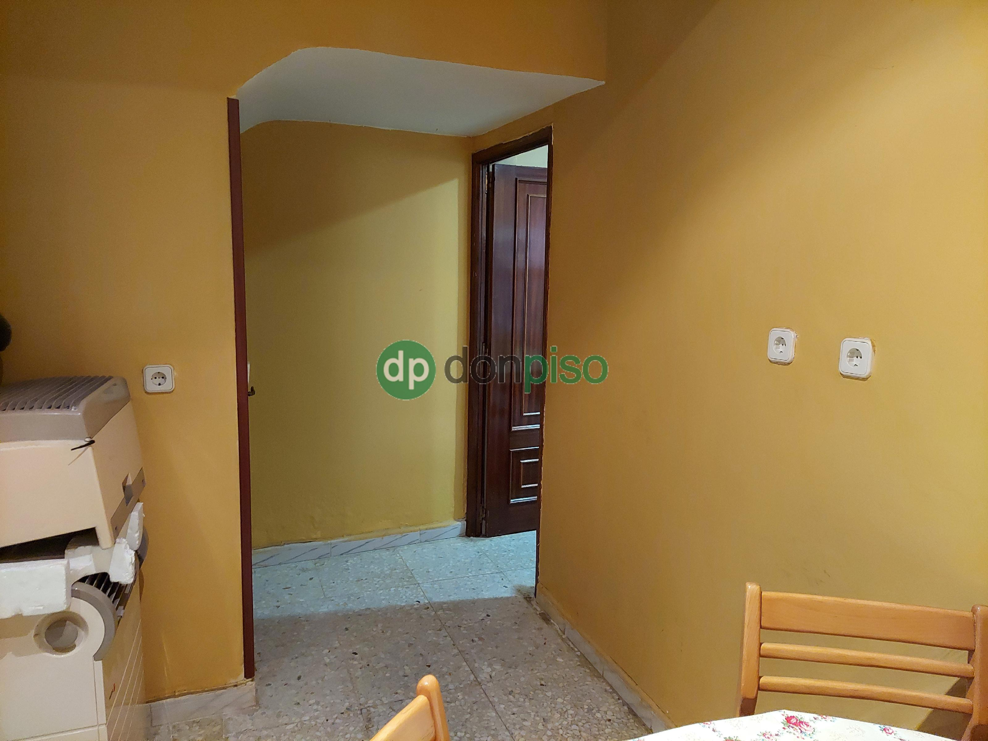 Imagen 4 Casa en venta en Albares / Centro casco urbano